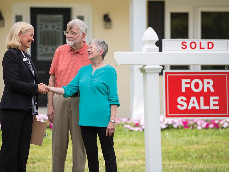 Seniors Selling house